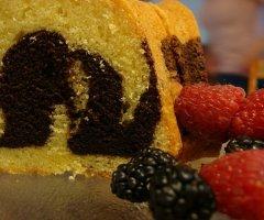 Leckeren und saftigen Marmorkuchen backen