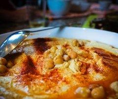 Unglaublich leckeres Hummus selber machen - Schritt für Schritt erklärt