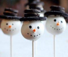 Ideen für weihnachtliche Cakepops - die schmecken sogar dem Weihnachtsmann!