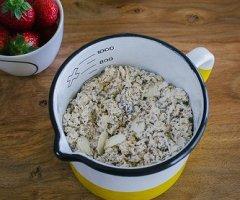 Frühstücksklassiker: Bircher Müsli mit Joghurt und Milch ganz einfach selber machen